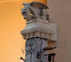 Imagini pentru statuia lui roland sibiu