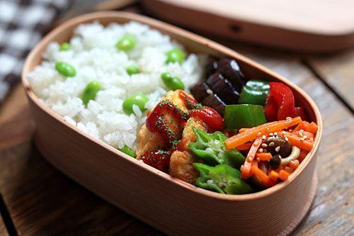 枝豆ごはん 白身魚のピカタ なすとピーマンのオイスターソース炒め にんじんとしめじの麺つゆ和え