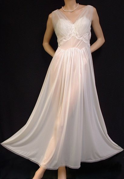 Ethereal Tulle & Lace Vintage Vanity Fair Nightgown