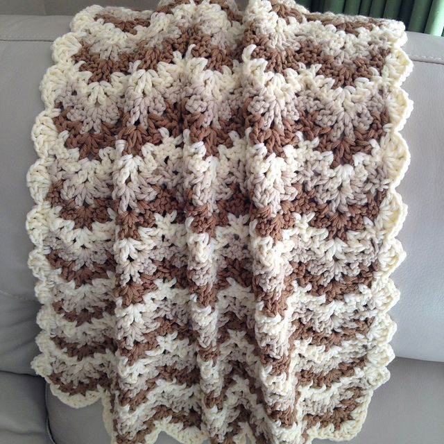 Crochet Stitches For Chunky Yarn : Ravelry: AnnabelsArmoires Last minute baby blanket Patterns I might ...