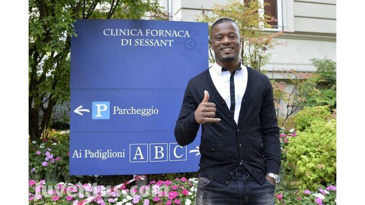 Le visite mediche di Evra - Evra undergoes medical - Juventus.com