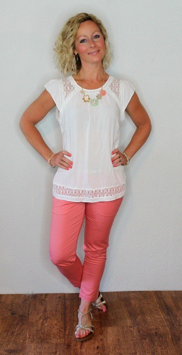 Skies are Blue Topanga Flutter Sleeve & Kit Siena Capri pants :: Over all cute outfit!! Want.