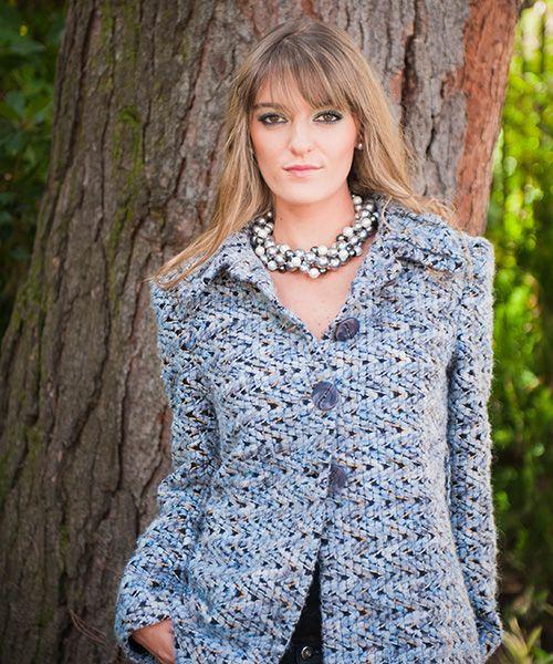 Elena Urrutia #fashion #collardeperlas #tono de grises #mujer #elegancia