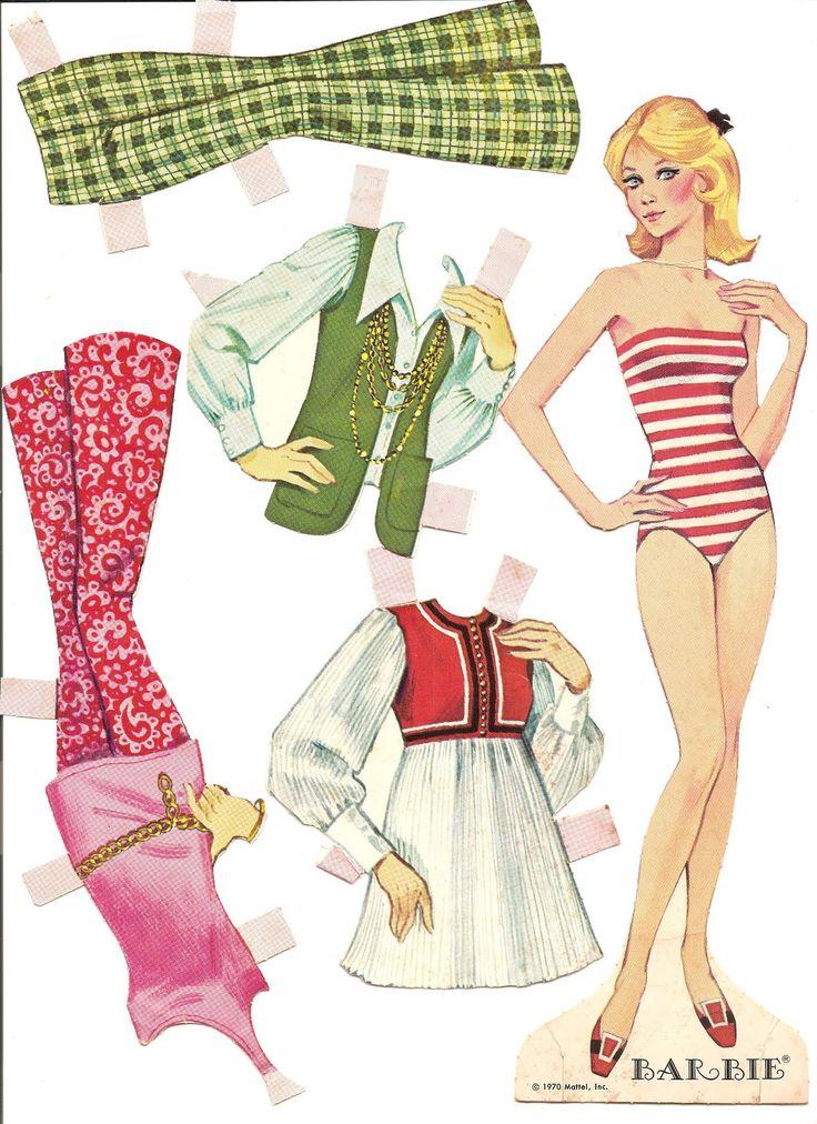 """les héroïnes des petites filles étaient largement représentées : quel meilleur argument publicitaire que la notoriété des """"modèles"""" ?... de Shirley Temple à Marilyn Monroe, actrices, chanteuses et autres ont fait les beaux jours des illustrateurs... ici, on retrouve Barbie à la mode des 70's..."""