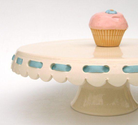 Eyelet Ribbon Cake Stand