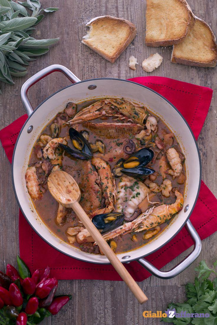 Il tradizionale #cacciucco è quello di #pesce legato alla cucina livornese! #ricetta #GialloZafferano #Livorno #italianfood #italianrecipe #Toscana
