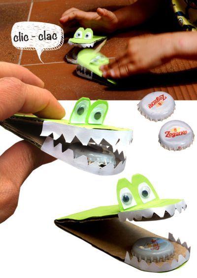 Brinquedo Infantil com Papel e Chapinhas
