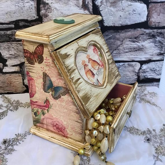 Shabby chic jewellery box.Distressed jewellery box.Cottage