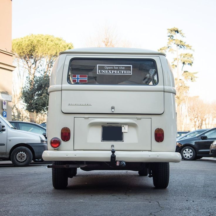 This may look like a normal white van but with curious eyes you will discover a lot more…  FIRENZE, PIAZZA DEL CROCIFISSO