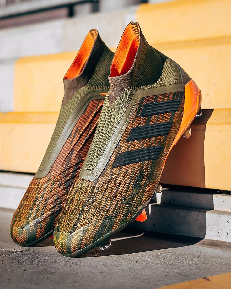 "104.8 mil Me gusta, 639 comentarios - adidas Football (Soccer) (@adidasfootball) en Instagram: ""Unleash your instinct. Introducing the new #Predator from the Lone Hunter pack. Available now at…"""