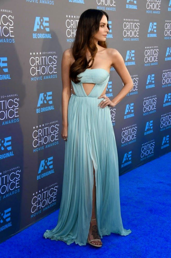Genesis Rodriguez in a sexy Reem Acra dress at the 2015 Critics' Choice Movie Awards