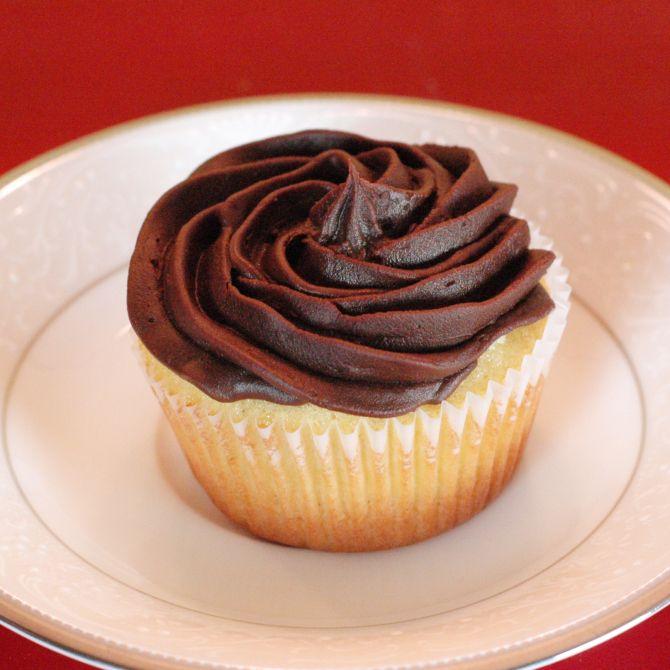 Boston cream cupcake (semi-homemade)