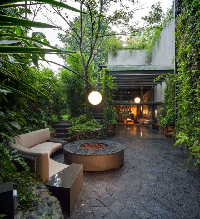 Courtyard design with firepit