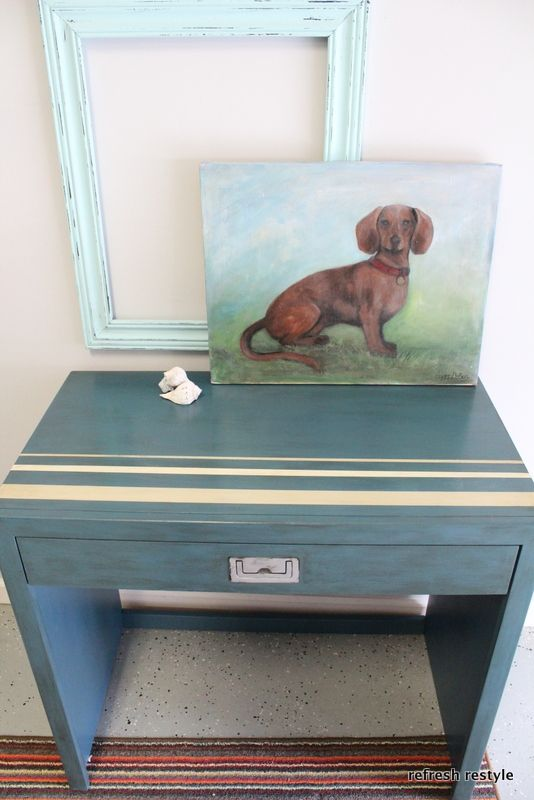 Cute little desk makeover in Annie Sloan Aubusson Blue Chalk Paint at refreshrestyle.com