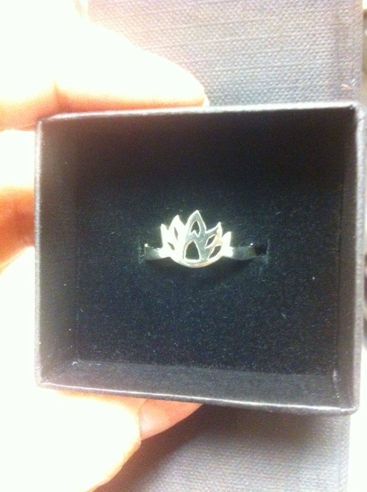 925 silver lotus ring. Order at Piercingheartbeat@gmail.com