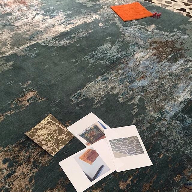 Some planning is underway at @therugestablishment this week using the #ClaremontRug. This abstract rug is more like art for your floor. Made using hand-spun wool and art silk. #designerrugs #abstractrugs #therugestablishment