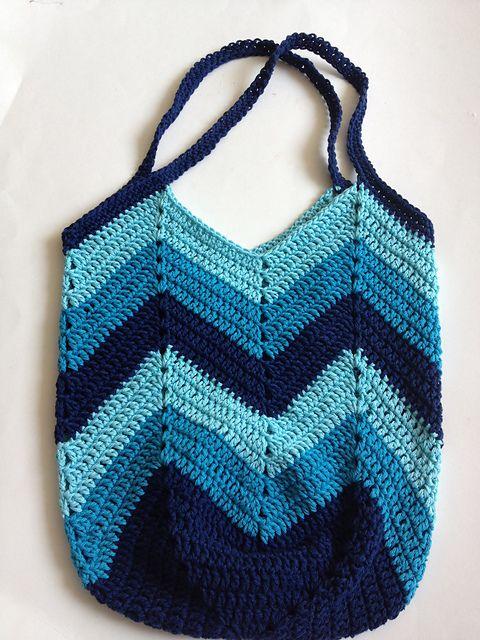 Ravelry Solid Granny Square Bottom Bag Crochet Tutorial