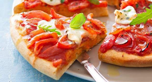 Pizza MargheritaVoir la recette de la Pizza margarita >>