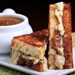 French onion soup sandwich! Perfectly ooey-gooey, buttery and rich ...