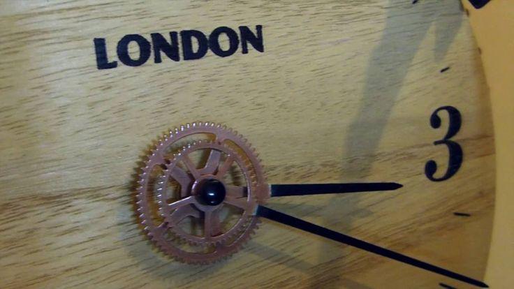 L horloge mecanique steampunk , recyclage de plateaux de velo , pignons ou engrenages , Tuto video sur notre chaine YOUTUBE DIYco Design .