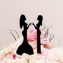 Hay una gran cantidad de adornos de donde escoger para pasteles de bodas lesbianas, los pájaros que no denotan ningún género son especialmente lindos: | 23 ideas súper lindas para bodas lesbianas