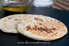 Las tortas de aceite a la pala se elaboran con harina, aceite, agua y sal. Para comerlas con aceite y sal, también sirven para hacer gazpachos manchegos.