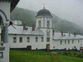Blestemul Mânăstirii Frăsinei. Athosul românesc şi poveştile femeilor care şi-au pierdut minţile
