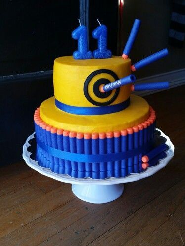 9 I love this Nerf Birthday Cake! It looks super simple, yet impressive! vcmblog Boys Nerf Birthday Party Cake, Cupcake and Cookie Ideas