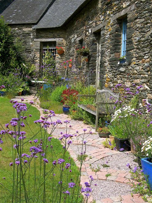 Best 25 scottish cottages ideas on pinterest cottages for Country garden designs ireland