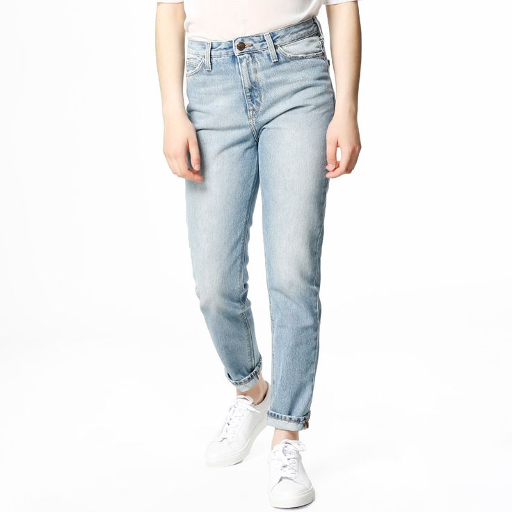 Jeans fra Lee Jeans i MOM-modell. - Flere lommer.- Rett passform. Materiale: 100% Bomull. Str S
