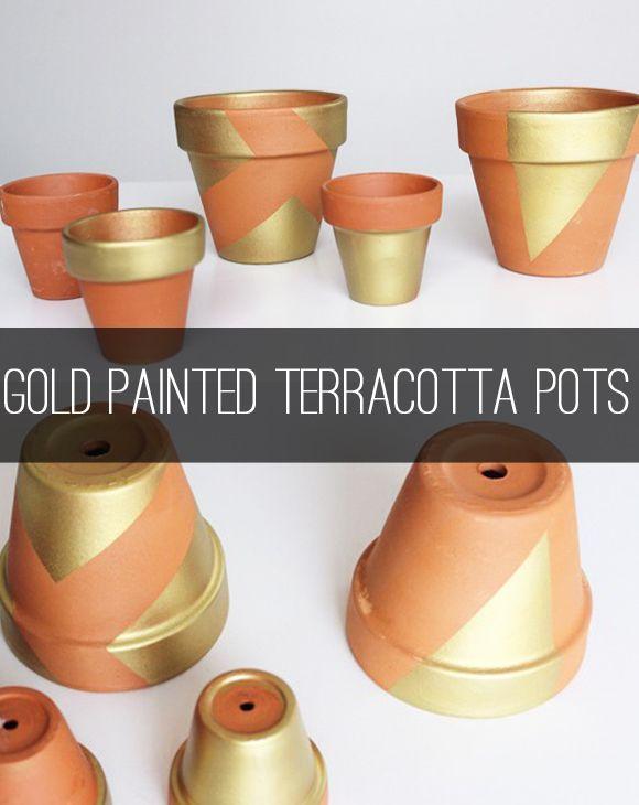5 terra-cotta pot DIYs to do: Gold Painted Terracotta pots via @hostesstori