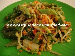 Urap-urap sayur (cooked veggies with spiced coconut)