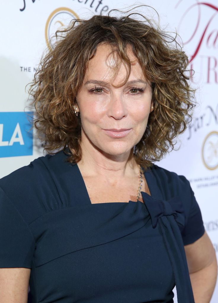 """Jennifer Grey Photos Photos - Actress Jennifer Grey attends the UCLA Jonsson Cancer Center Foundation Hosts 22nd Annual """"Taste for a Cure"""" event honoring Yael and Scooter Braun at the Regent Beverly Wilshire Hotel on April 28, 2017 in Beverly Hills, California. - UCLA Jonsson Cancer Center Foundation Hosts 22nd Annual 'Taste for a Cure' Event Honoring Yael And Scooter Braun"""