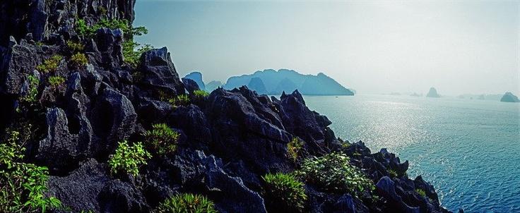 Bai Tu Long bay & Halong bay 2 days
