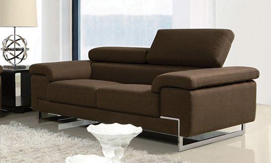 Καναπές ASPECT  Ο μοντέρνος και πλούσιος συνδυασμός του καναπέ ASPECT ξεχωρίζει και τραβάει τα βλέμματα Τα αναδιπλούμενα  προσκέφαλα χαρίζουν λειτουργικότητα και άνεση Διατίθεται σε σκούρο και ανοιχτό καφέ σε 2θεσίο η 3θεσίο Υλικά κατασκευής: ξύλο οξιάς,  ύφασμα, και χρώμιο Διαστάσεις 3θεσίου 226X102X92cm Διαστάσεις 2θεσίου 186X102X92cm Σε περίπτωση διαθέσιμου στοκ η παράδοση είναι άμεση. Ενημερωθείτε για την διαθεσιμότητα των προϊόντων.