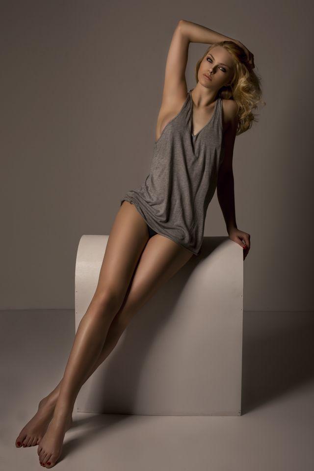 Beautiful long leg singapore girl 6