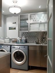 Beautifully organized basement laundry room - oh imagine! #organize #clutterfree