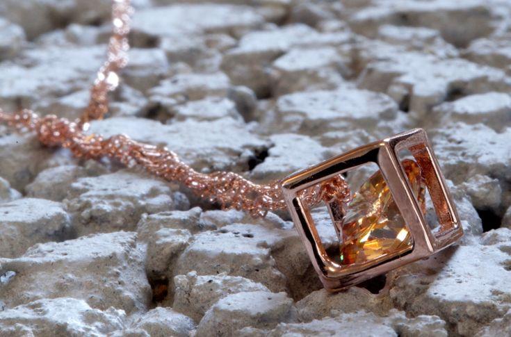 E-zy Elegant halsband i 925 silver med 14k rose guld plätering