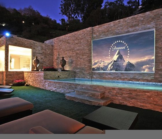 Outdoor cinema <3 - is it a building or an interior? whatever - very cool :)
