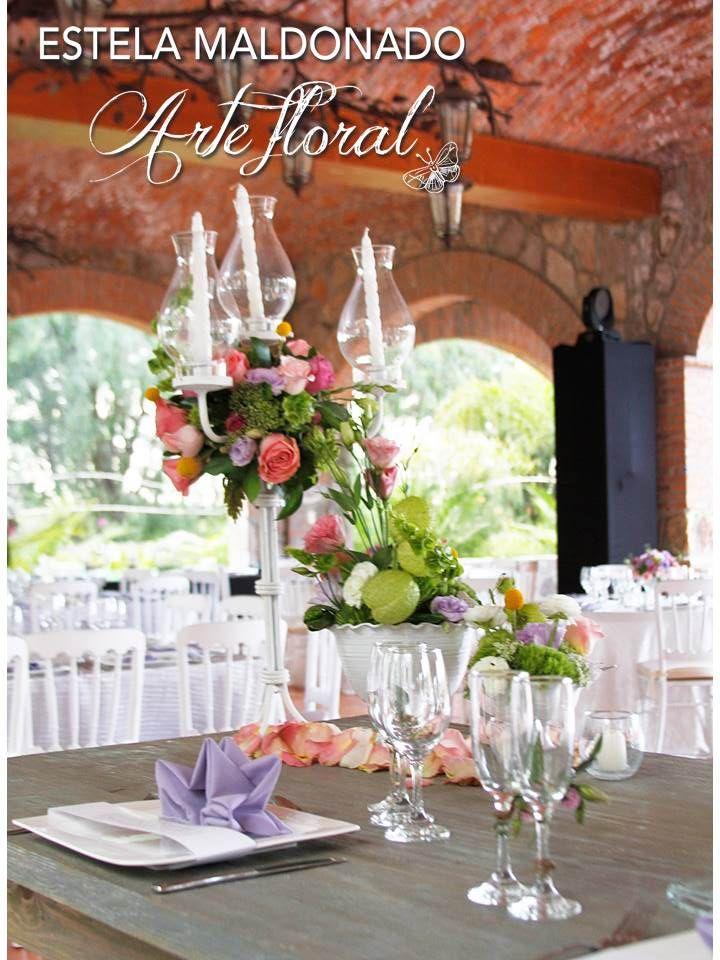 Mesa de novios #vintage #bodas #bodasmexico #sanmigueldeallende #guanajuato #wedding #centerpiece #floral