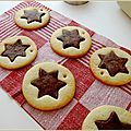 Biscuits étoile vanille et chocolat - La petite pâtisserie d'iza