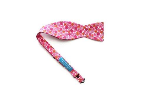 """Men's Bow tie. Floral 100% Cotton men's self tied Bow Tie Boom Bow Handmade.  This bow tie is adjustable to fit most neck sizes 37-45 cm S-XL 100% Cotton self-tie bow tie Hand Made in Prague, Czech Republic, EU  Width 5"""" / 12cm, Length 2"""" / 6cm  Delivery:  Free Shipping  Orders preparing is 1 business days and send by Czech Post with Tracking number providing. USA, Canada and Australia : 1-3 weeks, UK and European countries : 7-15 days  ..."""