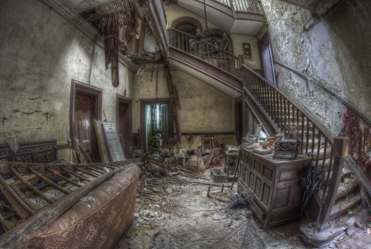 'Fading Beauty' old staircase HDR urbex