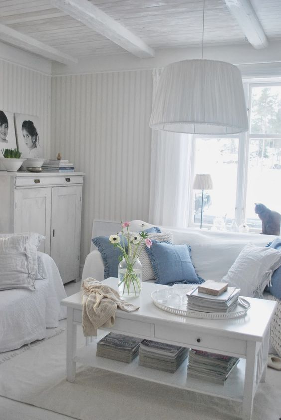Foto Mobili Shabby Chic.Mobili Shabby Chic Idee In Bianco Color Shabby Chic Cottage