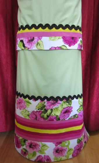 Pistachio green dainty rida with a touch of floral panels, tints of pink color panels and a rickrack trim perfect for casual wear. http://feisa.weebly.com/ridas.html