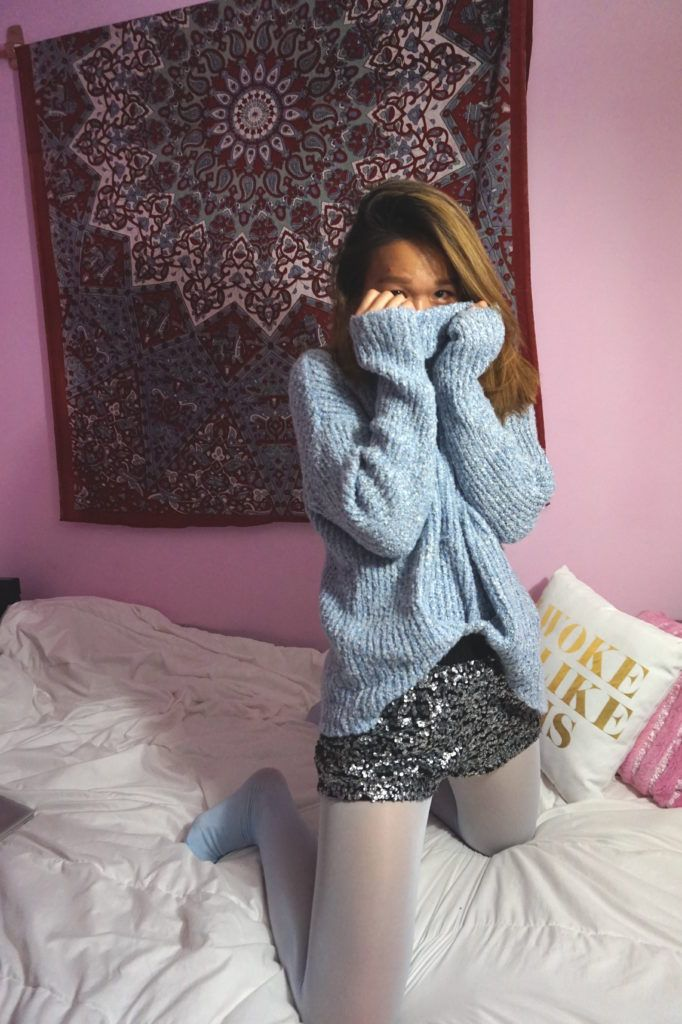Blue colored tights outfit inspo #winterfashion