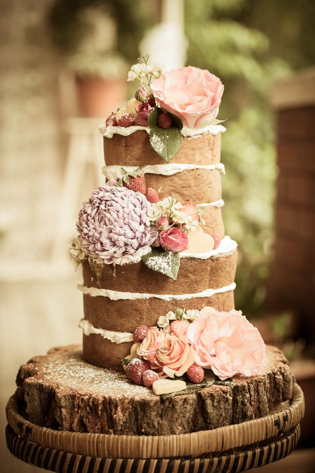Vintage Bride ~ Pastel Boho Garden Wedding Elopement ~ Photography by Newcastle Photography ~ Cake by Melz Cake Creations ~ Flowers by Mayflowers Vintage Florist ~ [vintagebridemag.com.au] ~ #vintagebride #vintagewedding #vintagebridemagazine