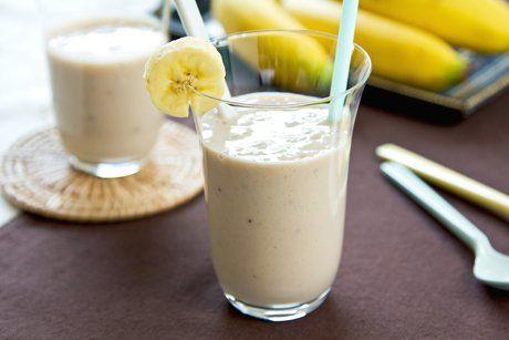 Ein gut gekühlter Bananenshake ist genau das Richtige für einen lauen Sommerabend oder die nächste Poolparty!