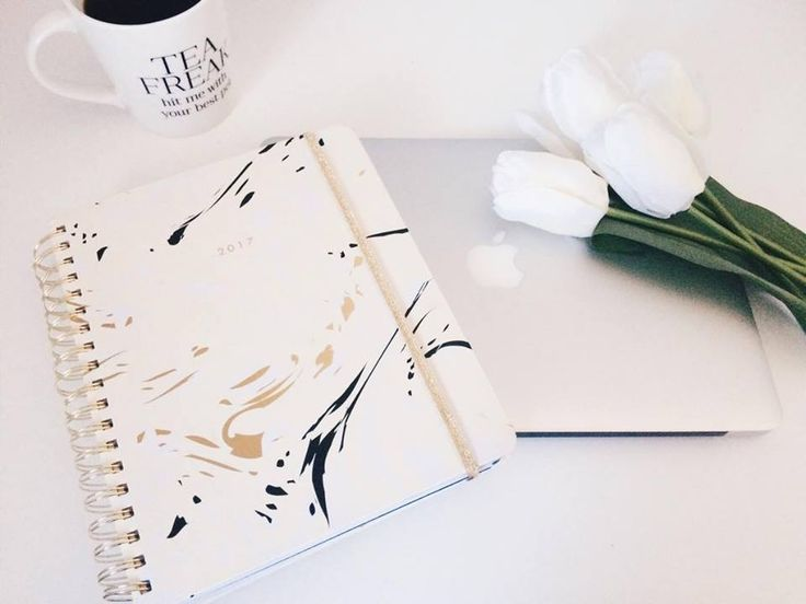 Staying Organized when Planning your wedding: I always like to say, a beautiful event begins with a beautiful planner! In other words, I am a huge advocate for investing in a lovely new agenda or journal