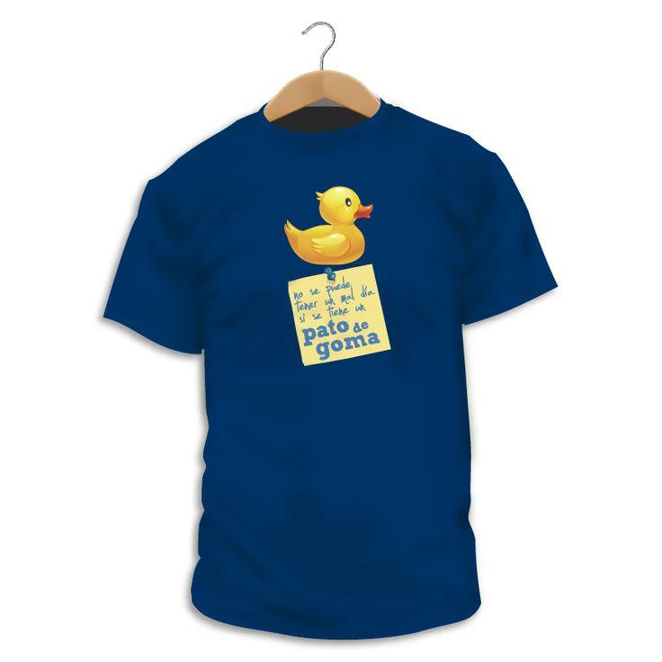 Camiseta Duckie • Todos tenemos nuestros fetiches, el nuestro son los patos de goma, tenemos un montón, y pensamos que son el amuleto perfecto, los hay de todos los tamaños, incluso gigantes como los que utiliza el artista Florentíjn Hoffman en sus intervenciones al aíre libre, y siempre llevan una carga de buen rollo :-) Así que ya sabes, no se puede tener un mal día si se tiene un pato de goma. • http://shop.singularshirts.com/es/leeme/78-duckie.html • 18€ • About $25